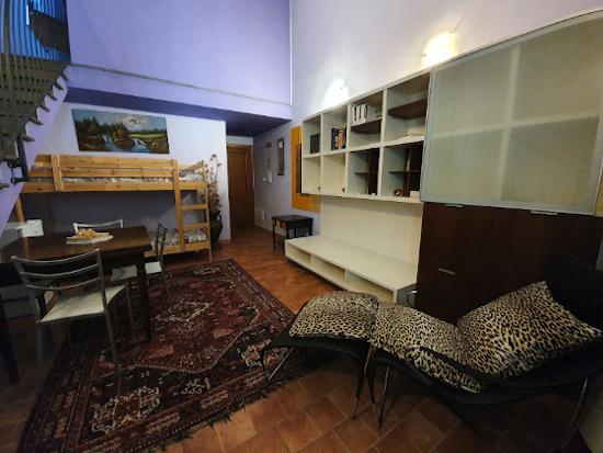 Bio agriturismo olistico valle dei calanchi appartamento 14 Piano terra. Blu violet
